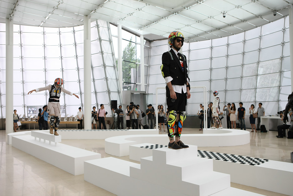 2011, Fashion into Art, Plateau, Seoul(4)