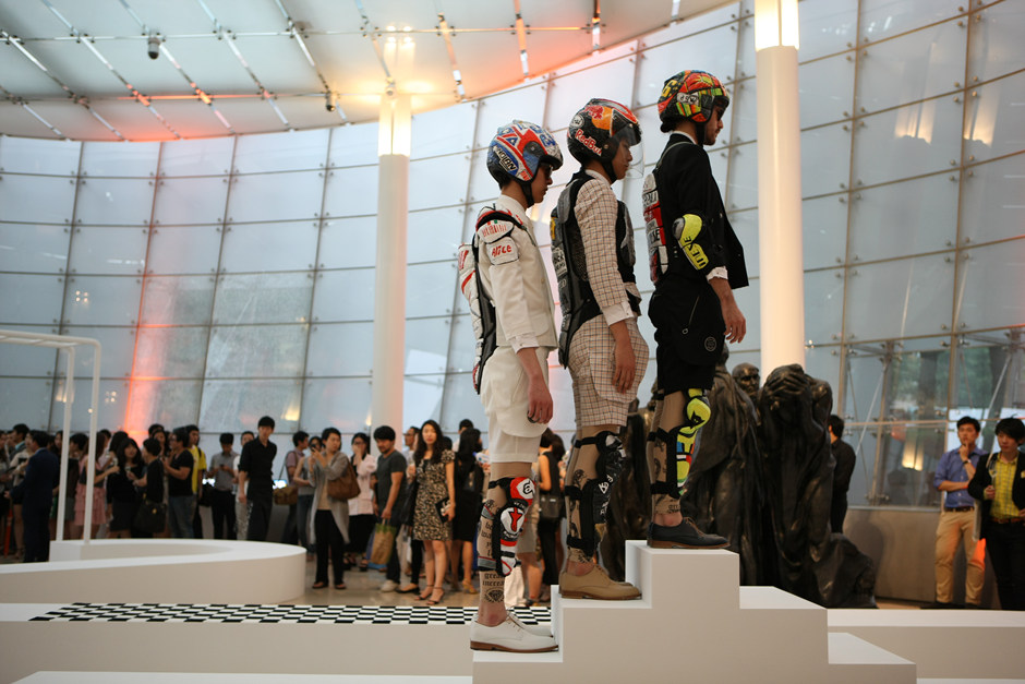 2011, Fashion into Art, Plateau, Seoul(6)