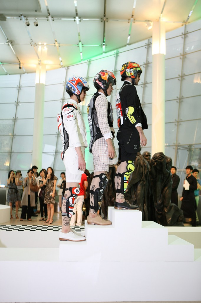 2011, Fashion into Art, Plateau, Seoul(7)