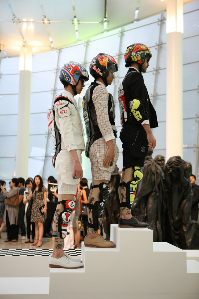 2011, Fashion into Art, Plateau, Seoul(8)